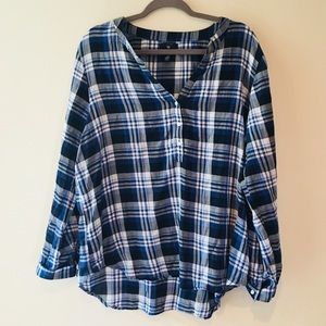 GAP PLAID BUTTON DOWN LONG SLEEVE TOP